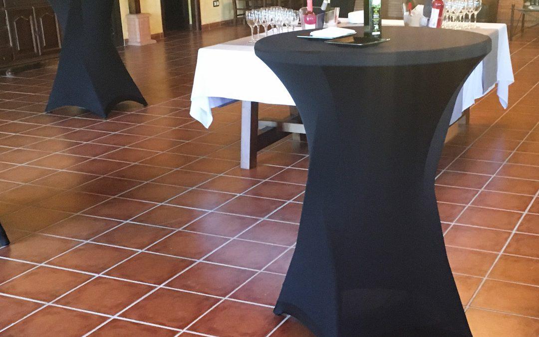 Servicio de cóctel en Bodegas Isidro Milagro de Manzanares